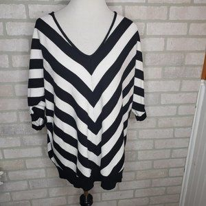 89th & Madison Black & White Knit Top